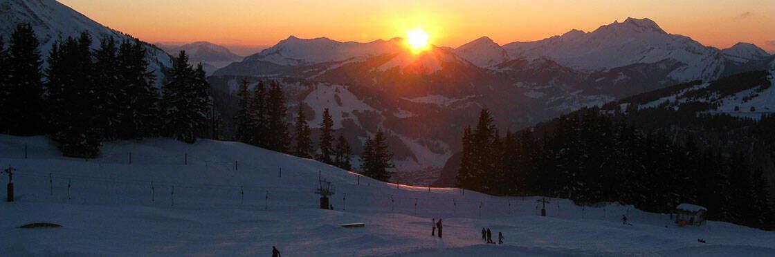 domaine skiable avoriaz soleil couchant