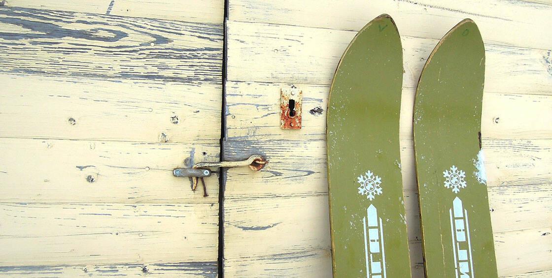 skis vintage