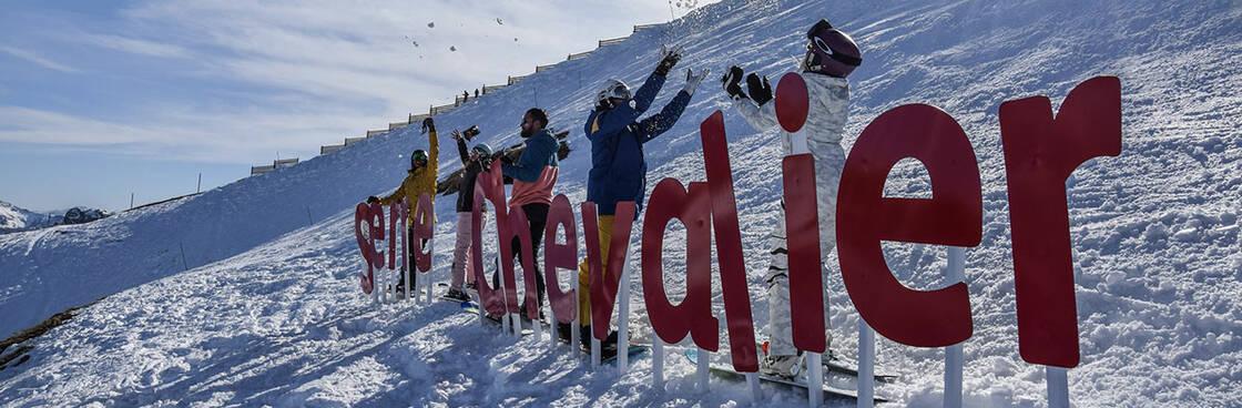 skieurs sur le domaine serre chevalier