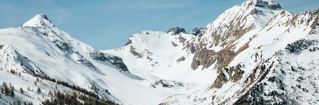 Vacances familiales au ski dans les Hautes-Alpes : pourquoi choisir Les Orres ?